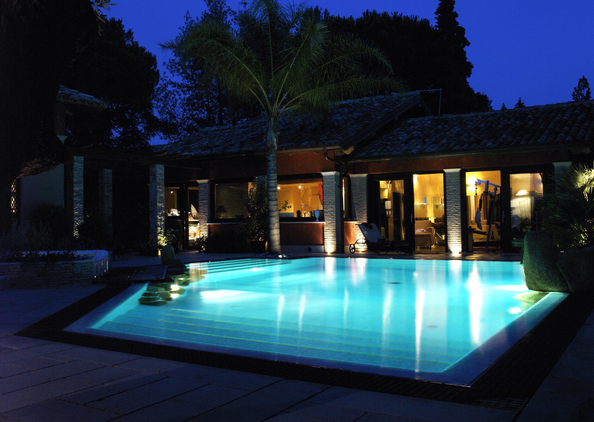Una villa con piscina non gode dei benefici fiscali sulla for Case con piscine